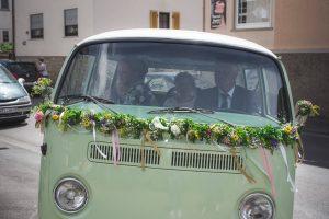VW Bulli als Hochzeitsauto